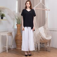 Lora Pants In White